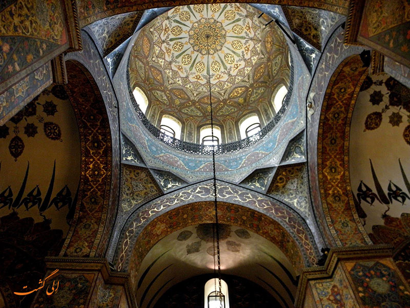داخل کلیسای اچیمیادزین در ارمنستان