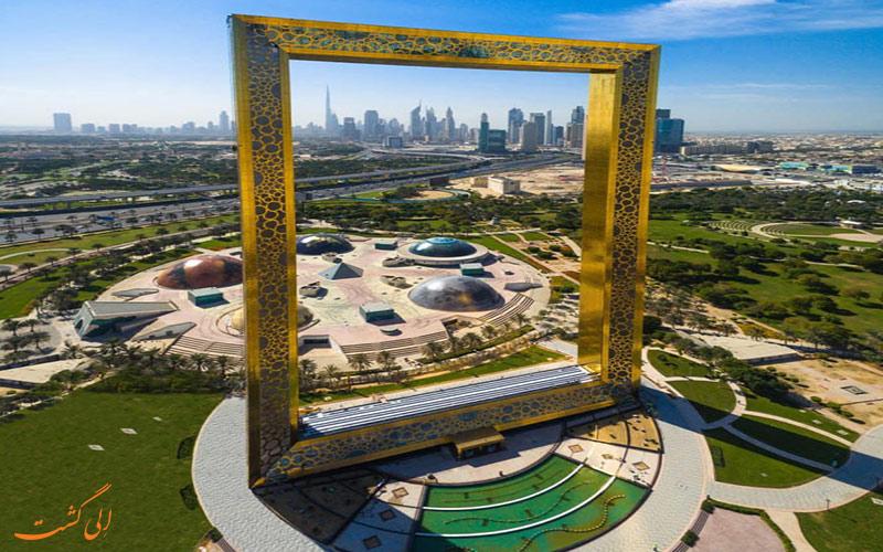 نمایی کلی از برج قاب دبی