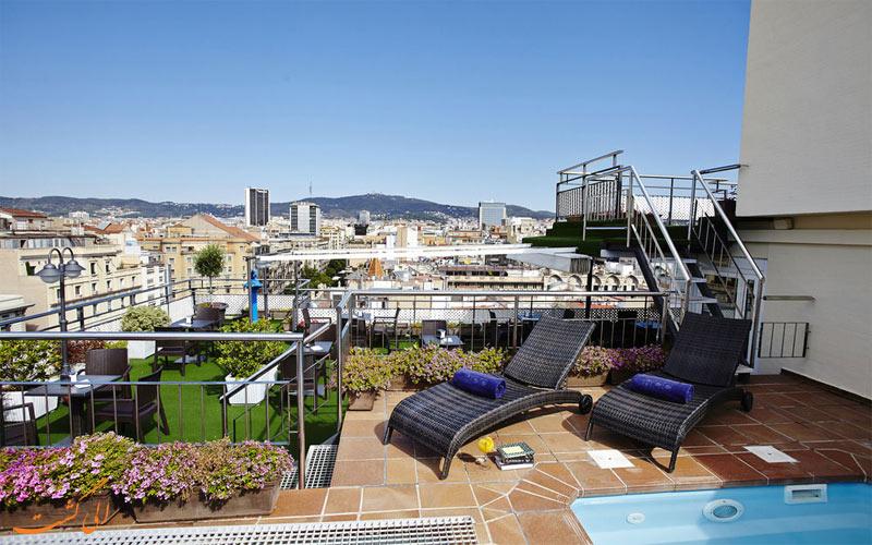 امکانات تفریحی هتل اچ سی سی ریجنت بارسلونا - استخر