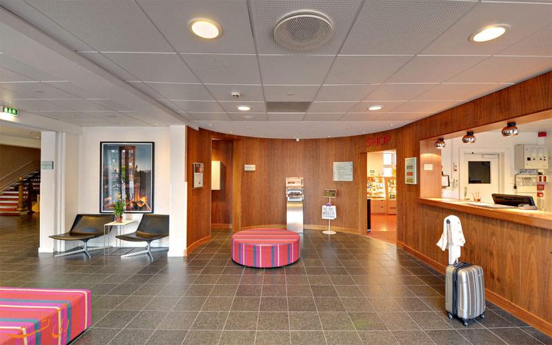 خدمات رفاهی هتل اسکاندیک وبرز کپنهاگ- پذیرش