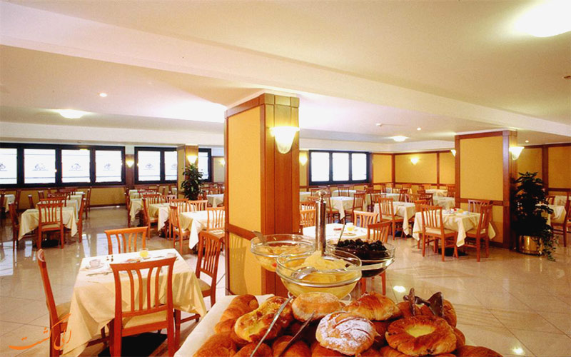 Hotel The Brand Roma- الی گشت- رستوران
