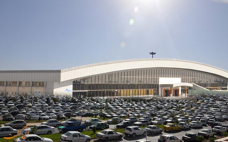 یکیاز درب های ورودی فرودگاه اصفهان