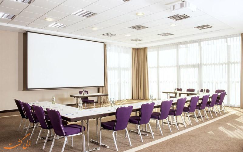 خدمات رفاهی هتل ان اچ دوسلدورف سیتی نورد- اتاق کنفرانس