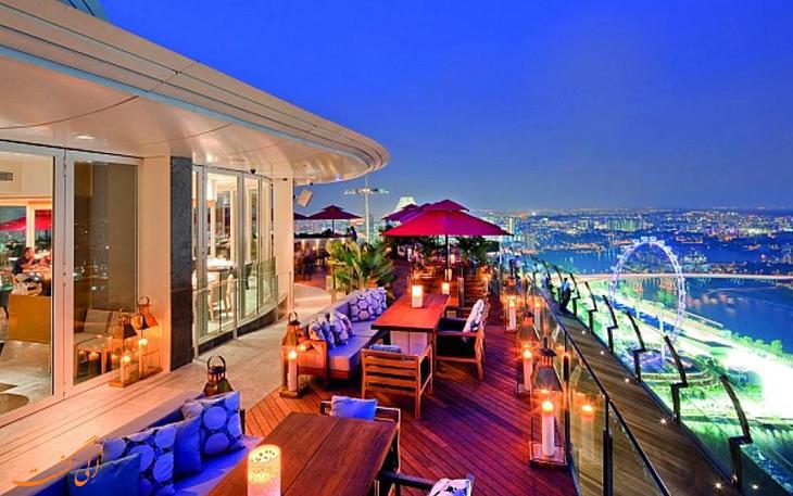 رستوران عرشه آسمان در هتل بیلیف