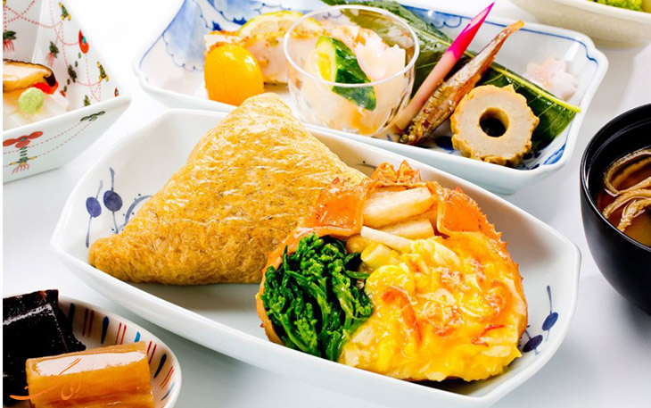 غذای فرست کلاس هواپیمایی آنا
