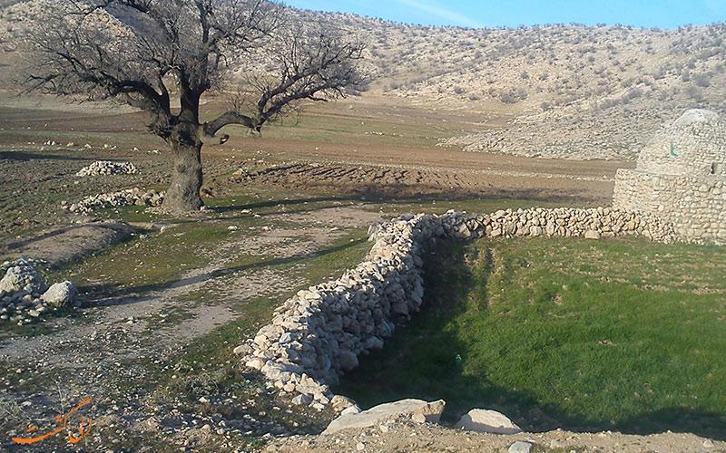 یکی از گورستان های تاریخی در ایلام