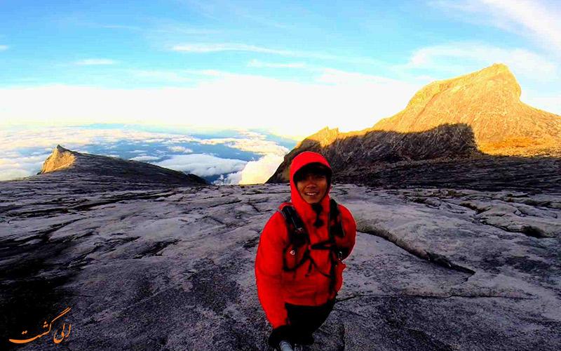 صعود به قله کوه کینابالو