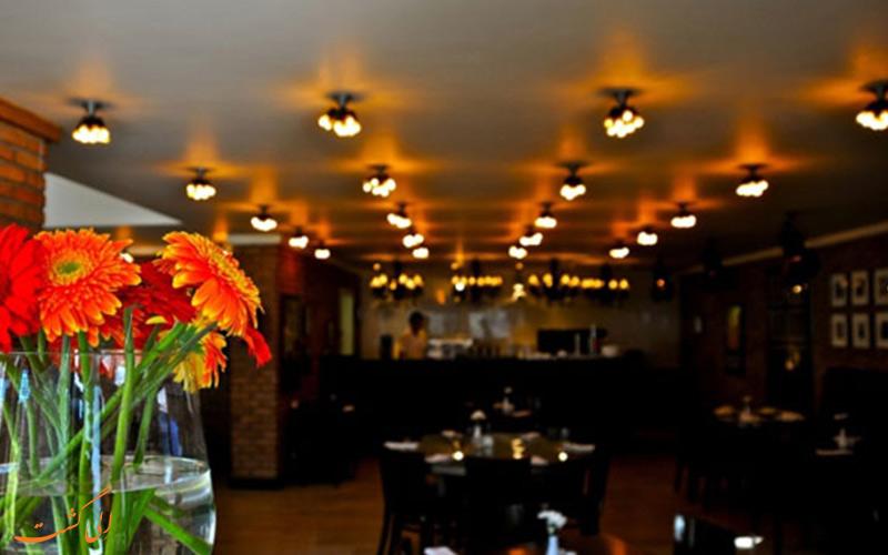 رستوران بین المللی در یک هتل