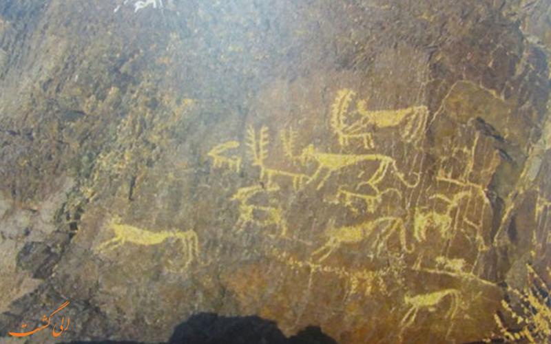 نقوش صخره ای 5 هزار ساله
