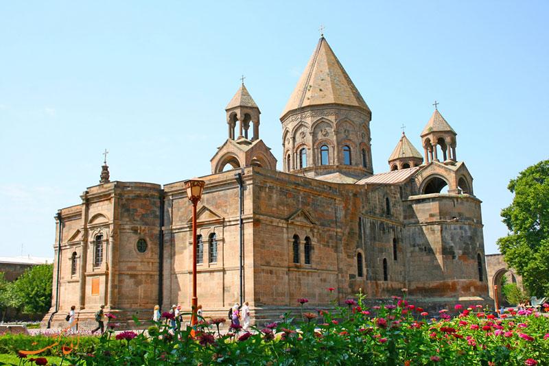 کلیسای اچمیادزین ارمنستان