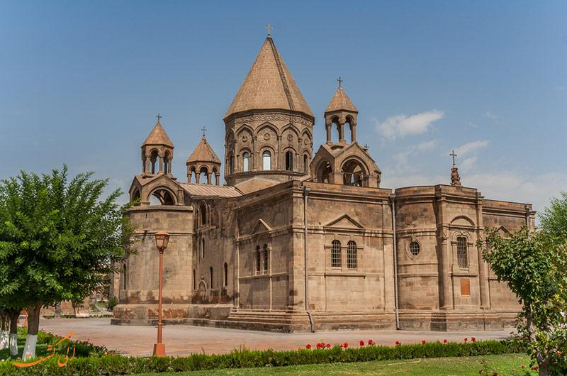 کلیسای اچیمیادزین در ارمنستان