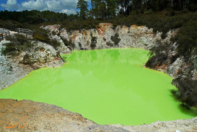 دریاچه سمی در نیوزیلند