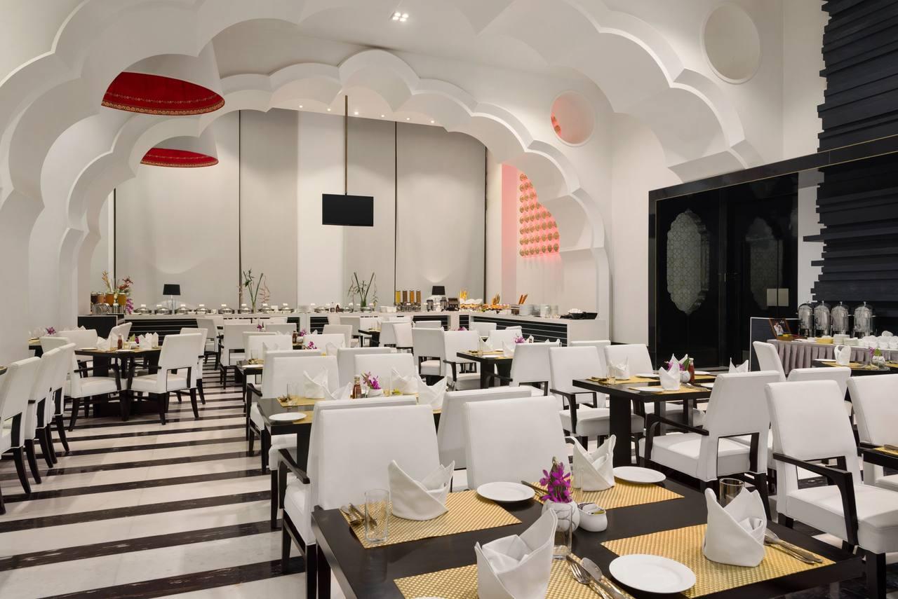 هتل رامادا پلازا آگرا | رستوران