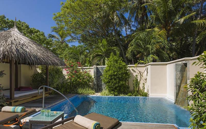 هتل کرومبا مالدیو | استخر اختصاصی