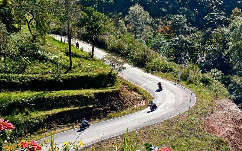 موتور سواری در جاده های تایلند