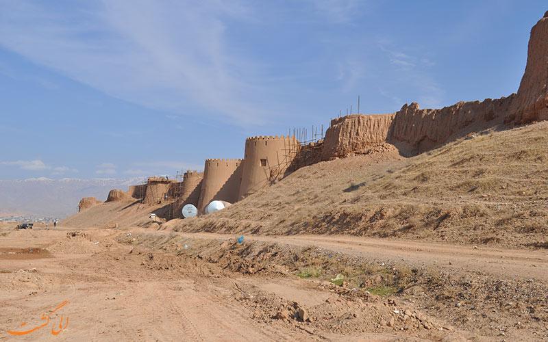 محوطه تاریخی اسفراین