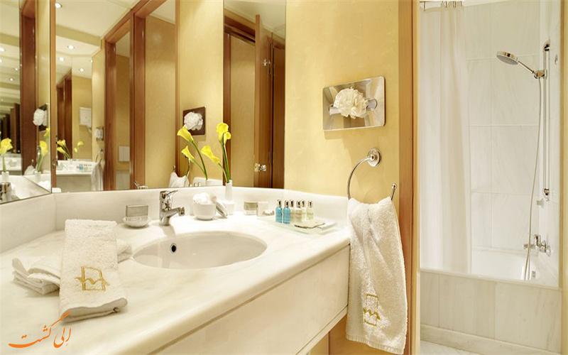 اتاق های هتل متروپولیتن آتن- حمام