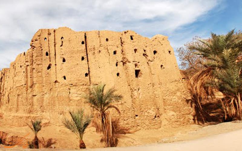 قلعه باستانی بیاضه