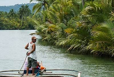 قایقرانی در حالت ایستاده در بوهل Bohol