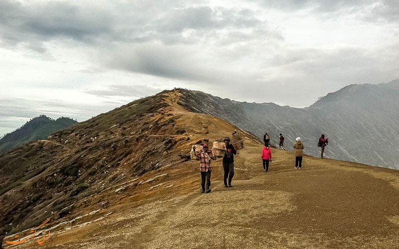 گردشگری در آتشفشان لین