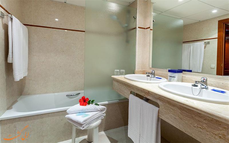 انواع اتاق های هتل بست سمیرامیس پوئرتو د لاکروز- حمام