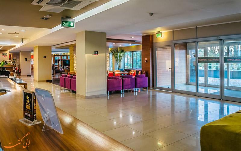 هتل دسیلوا ورشو- میز پذیرش
