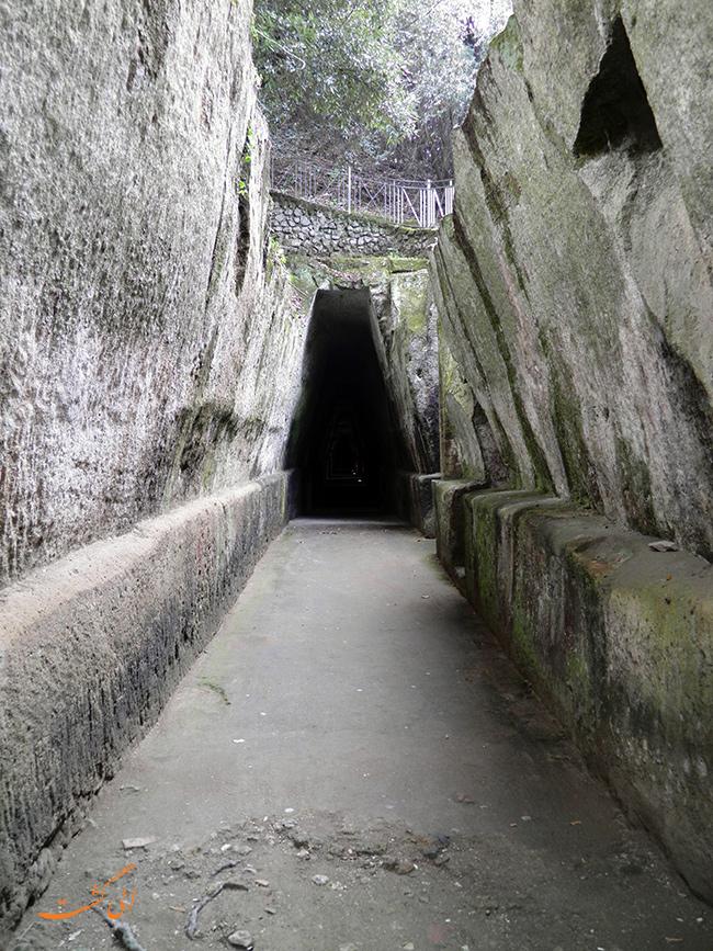 غار زیبیل در ایتالیا