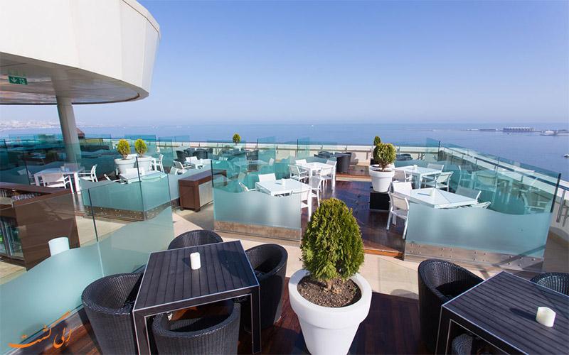 Hilton Baku- eligasht.com تراس هتل