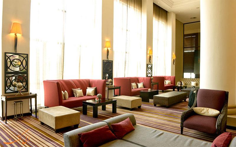 خدمات رفاهی هتل هالیدی این سندتون ژوهانسبورگ- لابی