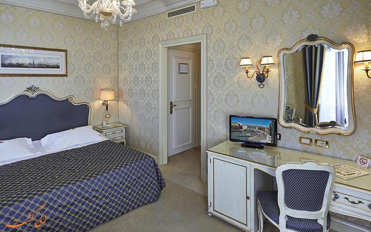 هتل آنتیک