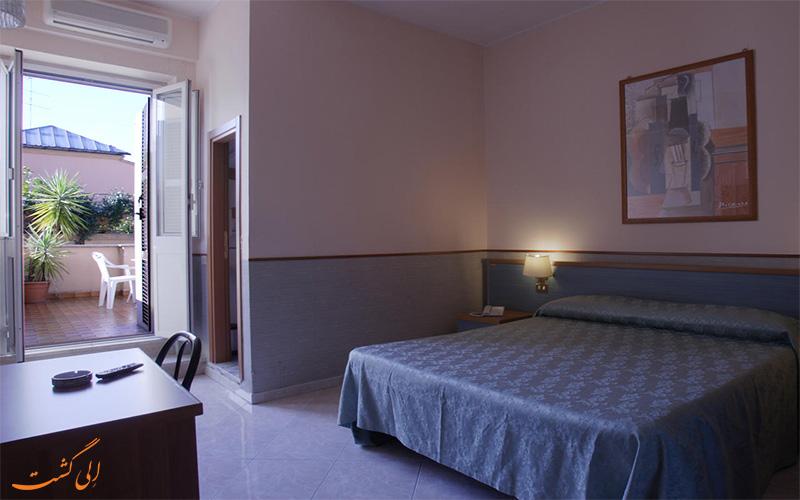 تراس اتاق ها هتل لازاری رم