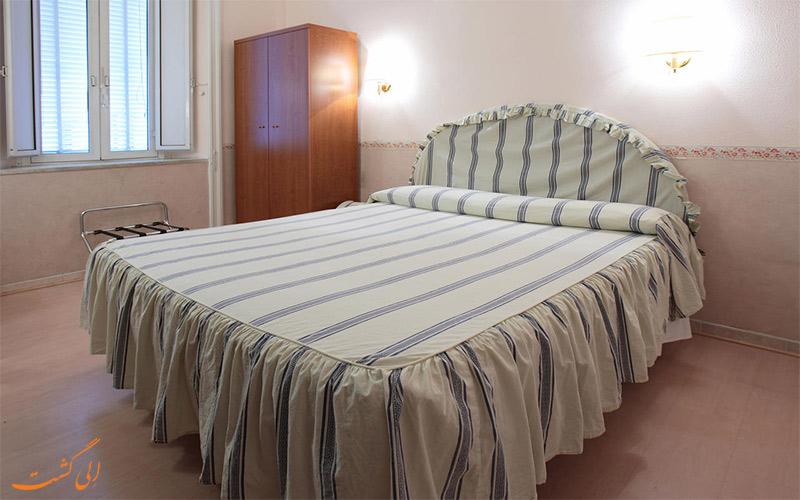 امکانات اتاق های هتل لازاری رم