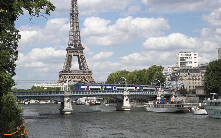 حمل و نقل فرودگاه شارل دوگل پاریس :قطار