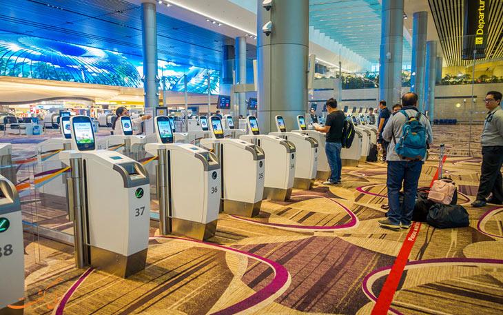 دستگاه چک-این: آلوده ترین قسمت فرودگاه