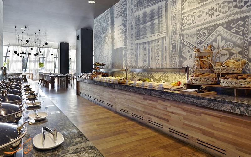 هتل هالیدی این تفلیس | رستوران