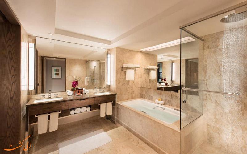 هتل کنراد سنتنیال سنگاپور | سرویس حمام