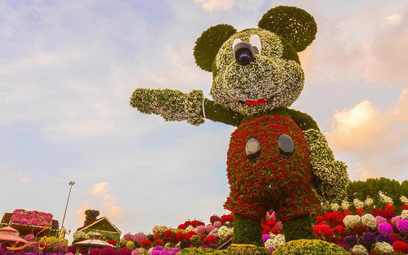 مجسمه میکی ماوس در باغ میراکل