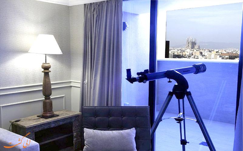 هتل ال آونیدا پالاس بارسلونا- تراس اتاق ها