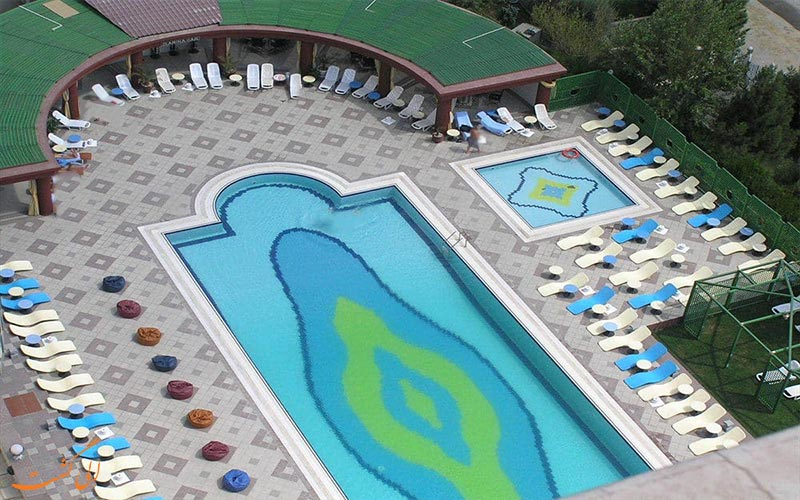 امکانات تفریحی هتل گرند یوروپ باکو- استخر