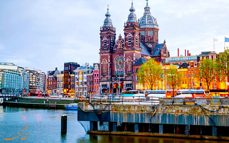 راهنمای مسافرتی به آمستردام