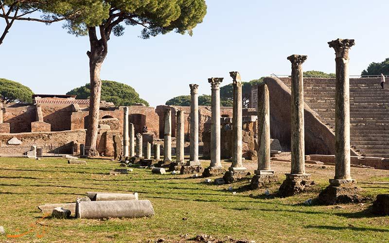 ستون های باستانی