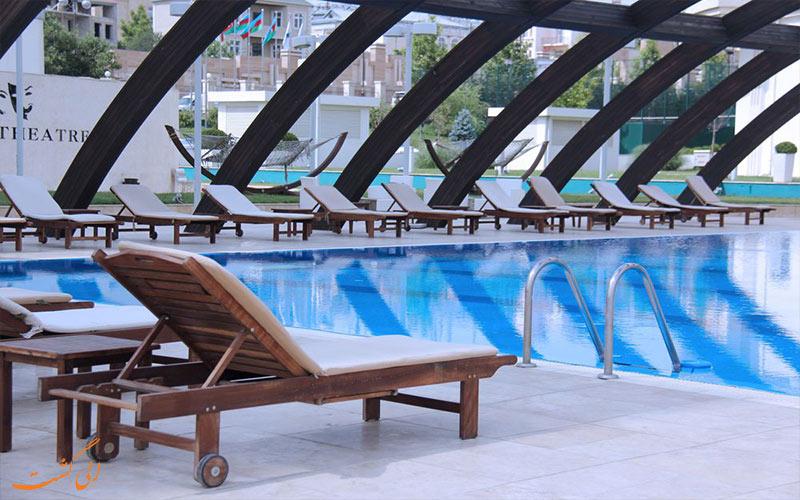 امکانات تفریحی هتل پولمن باکو- استخر