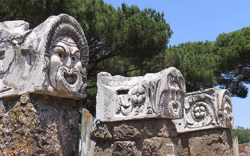مجسمه های سنگی