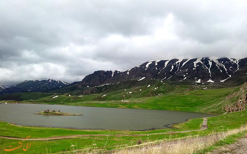 دریاچه بتابات