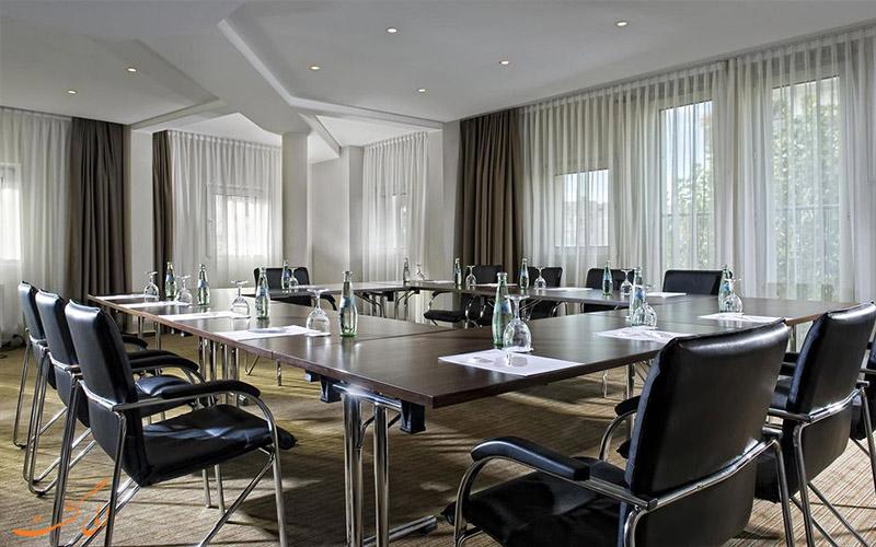 خدمات رفاهی هتل برلین مارک برلین- اتاق کنفرانس
