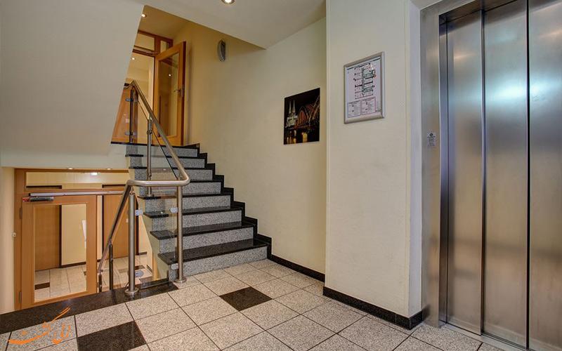 خدمات رفاهی هتل سنترو کانتی کلن- آسانسور