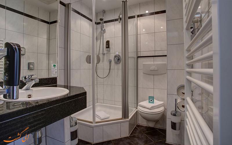 حمام اتاق های هتل سنترو کانتی کلن