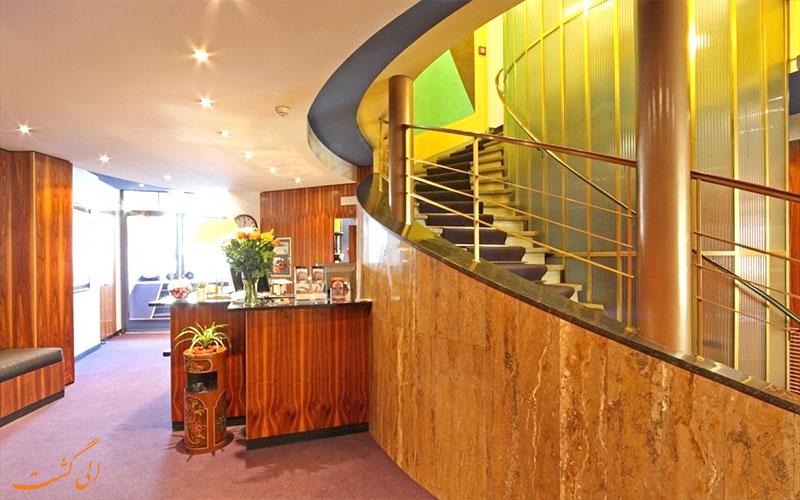 Hotel Bernina Geneva- Eligasht.com میز پذیرش