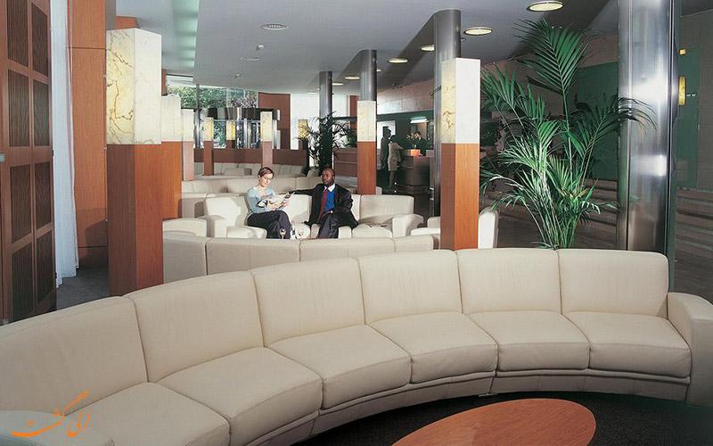 خدمات رفاهی هتل کورناوین ژنو- لابی