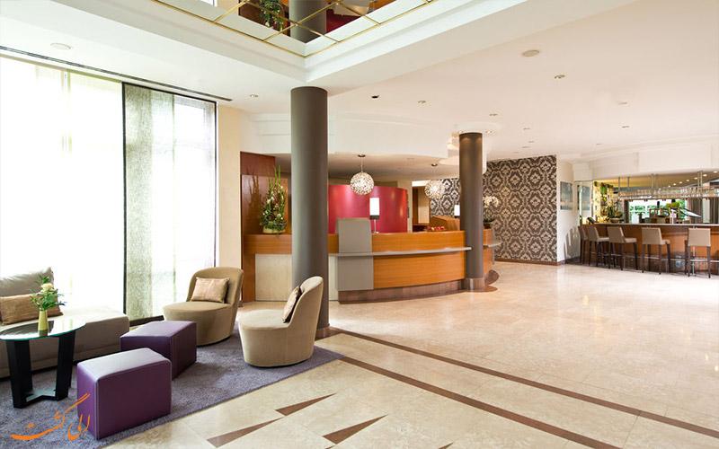 خدمات رفاهی هتل لئوناردو آخن - لابی